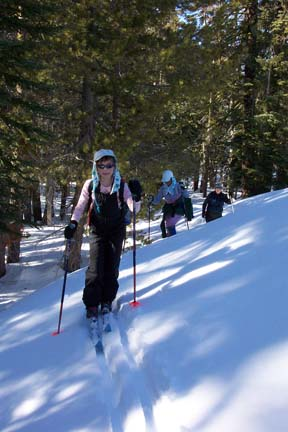 Image of skiing from Azalea Lake to Flora Lake.