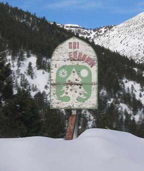 Image of Tannenbaum Ski Area sign